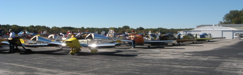 A whole bunch of Sonex airplanes.
