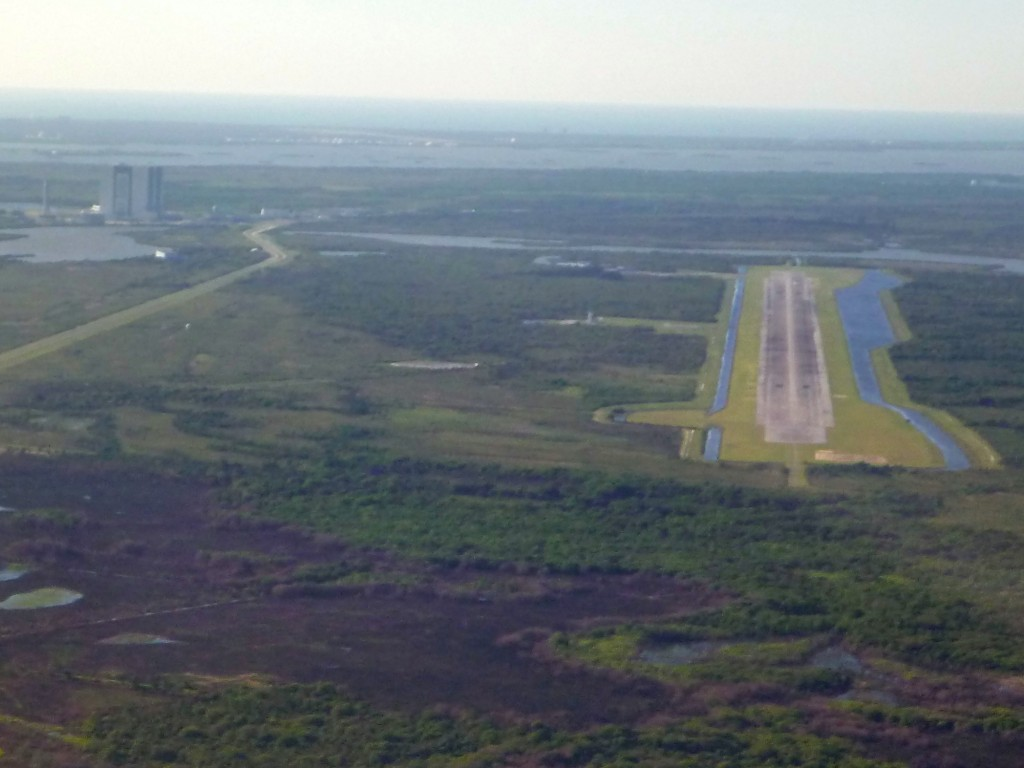 shuttle_landing_and_VAB_cropped